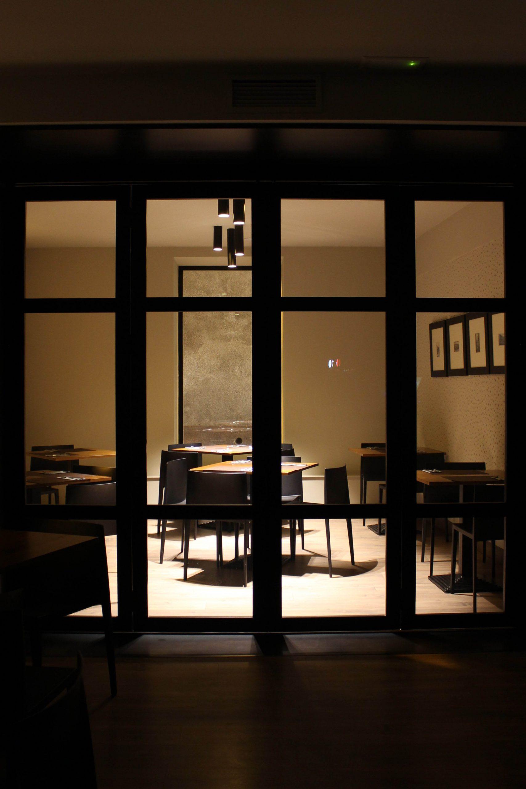http://gustavolahera.com/wp-content/uploads/2020/11/Foto-4-Restaurante-Ullate-scaled.jpg